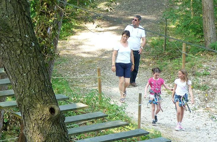 Camping La Dordogne Verte : Accrobranche Promenade