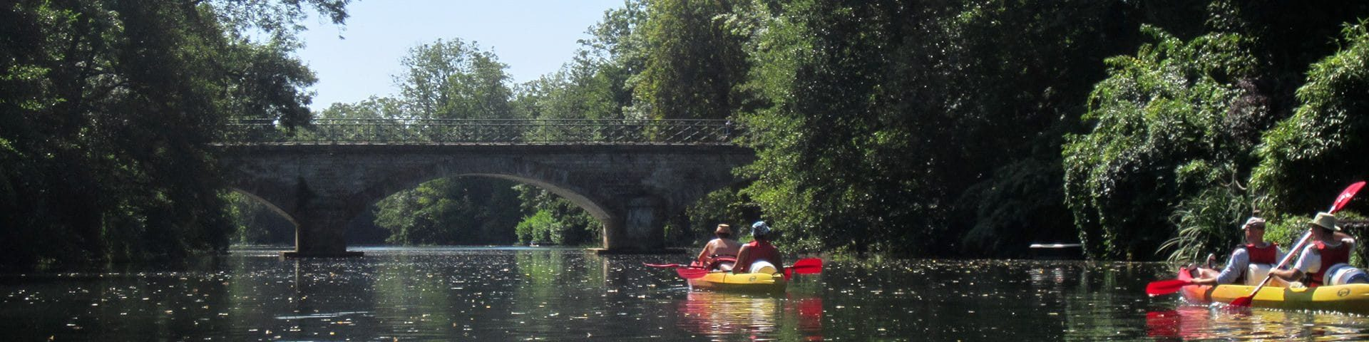 Camping La Dordogne Verte : Canoe Riviere Pont
