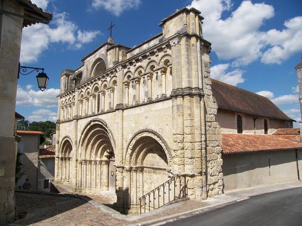 Camping La Dordogne Verte : Eglise Saint Jaques3