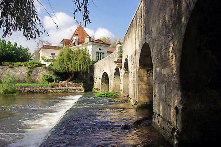 Camping La Dordogne Verte : Saintaulaye