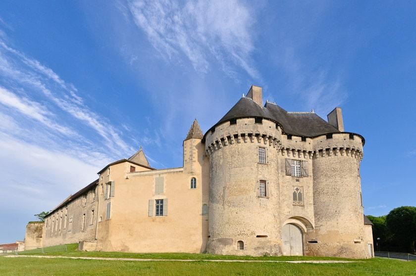 Camping La Dordogne Verte : Barbezieux Saint Hilaire