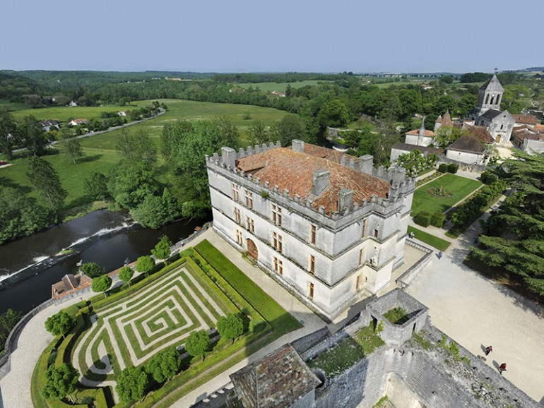 Camping La Dordogne Verte : Bourdeilles (château)
