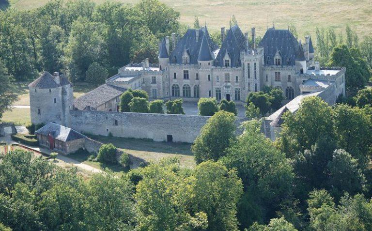 Camping La Dordogne Verte : Château Michel De Montaigne (château Et Vins)