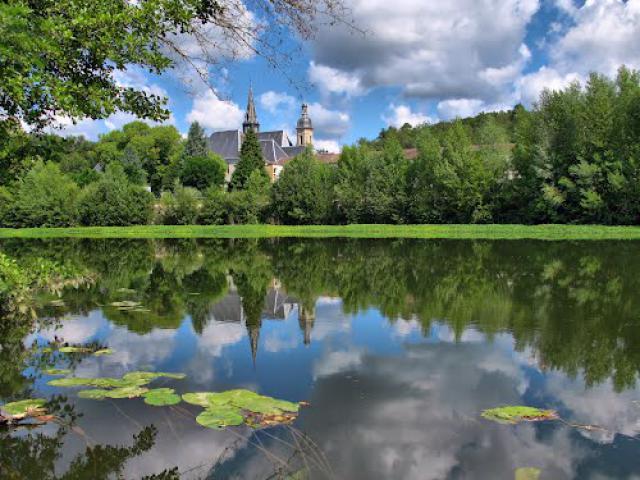 Camping La Dordogne Verte : Montpon Ménestérol