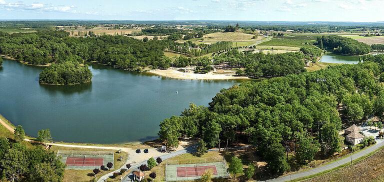 Camping La Dordogne Verte : Parc De Gurson (baignade, Activités Nautiques)