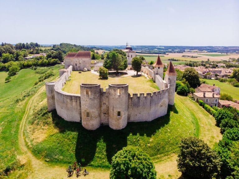 Camping La Dordogne Verte : Villebois Lavalette (chateau)