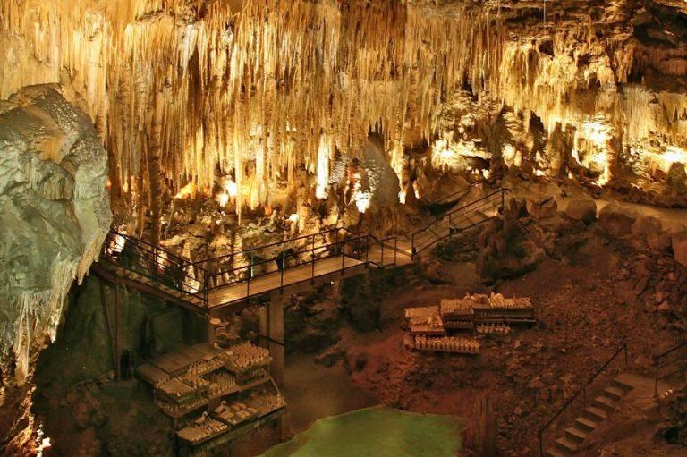Camping La Dordogne Verte : Grotte De Beaussac